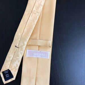 Michael Kors gold tie